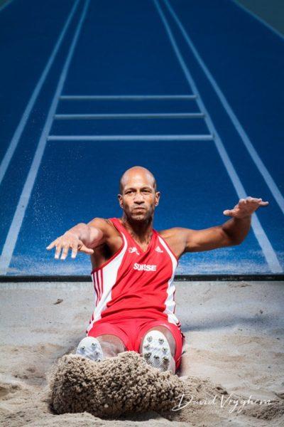 Photo de Josué M'Bon, Champion Suisse de Triple saut (élites – toutes categ.) – 1997 et 1998